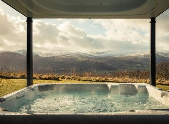 Luxury Homes with Hot Tubs - Unique Escapes