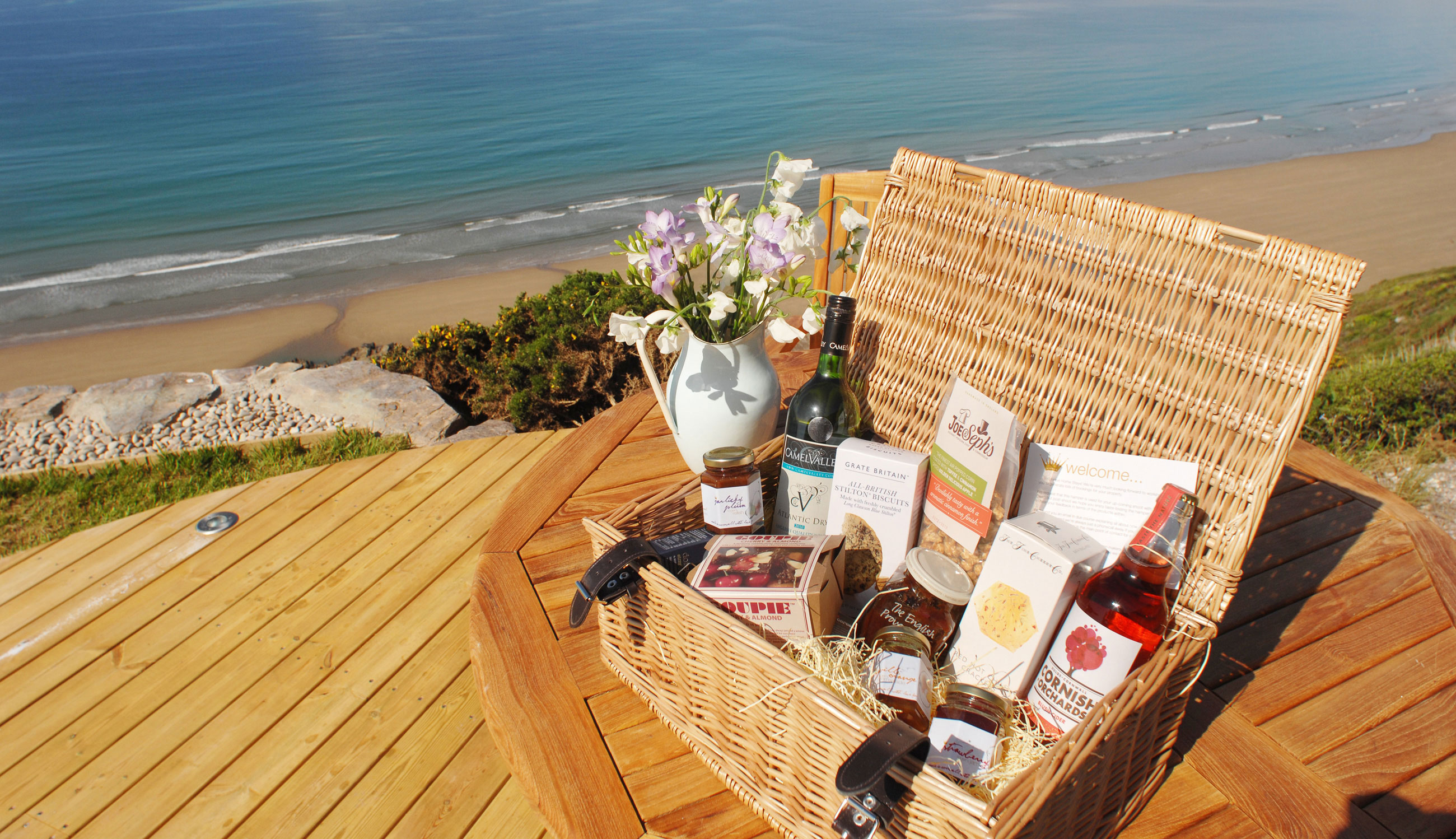 Unique Home Stays Luxury Hampers