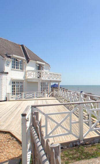 Selsey beach house self catering West Sussex