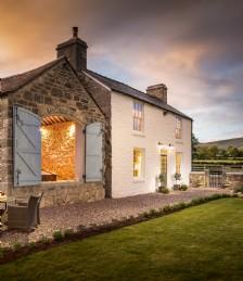 A Heart-Stirring Luxury Welsh Hideaway