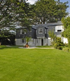 EXCLUSIVE COUNTRY RETREATS A STONES THROW FROM THE NORTH CORNISH COAST