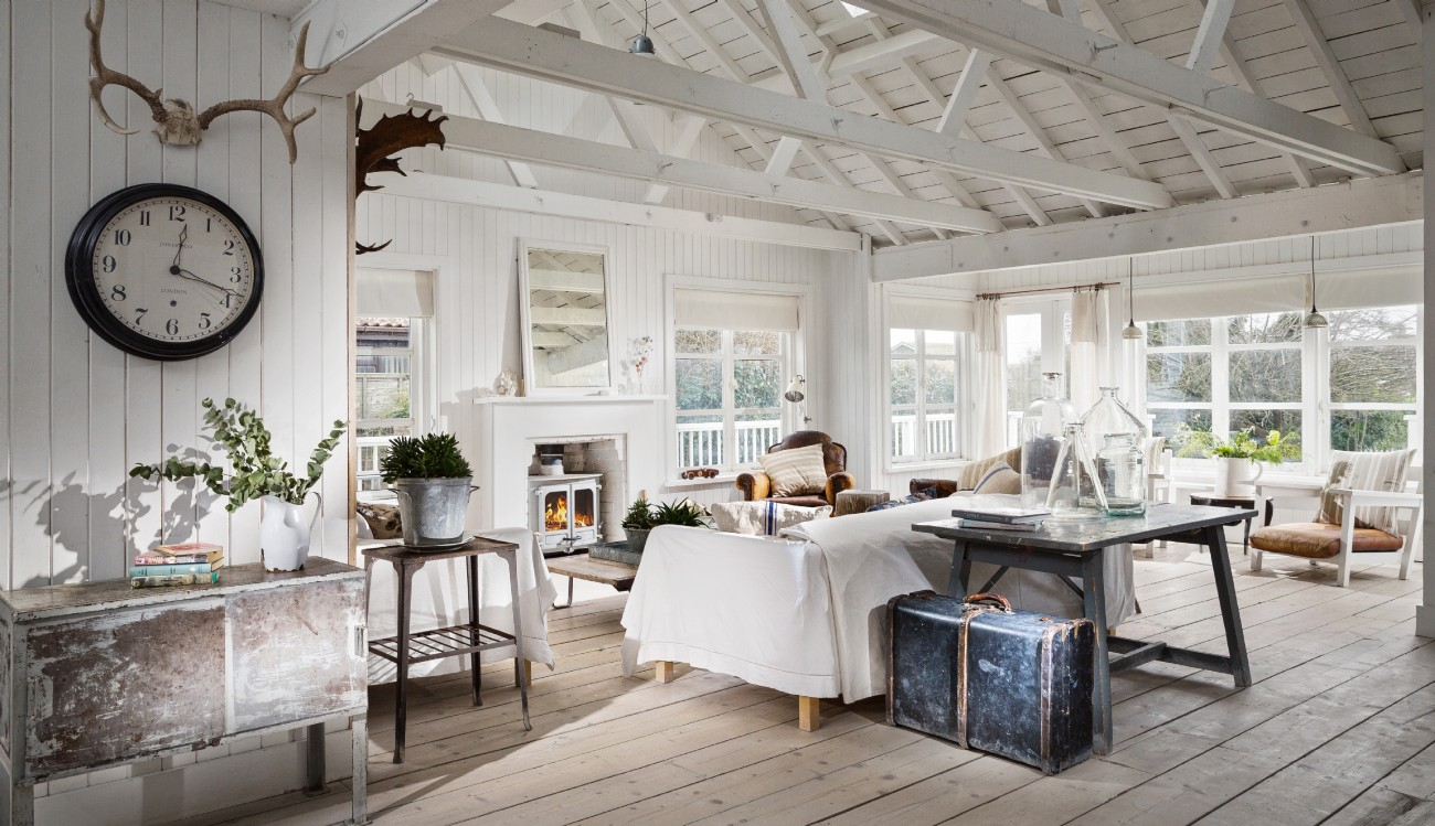 A rustic and reclaimed luxury cabin near Winchelsea Beach and Rye