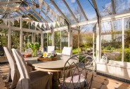 Enjoy lively family lunches in the sun room