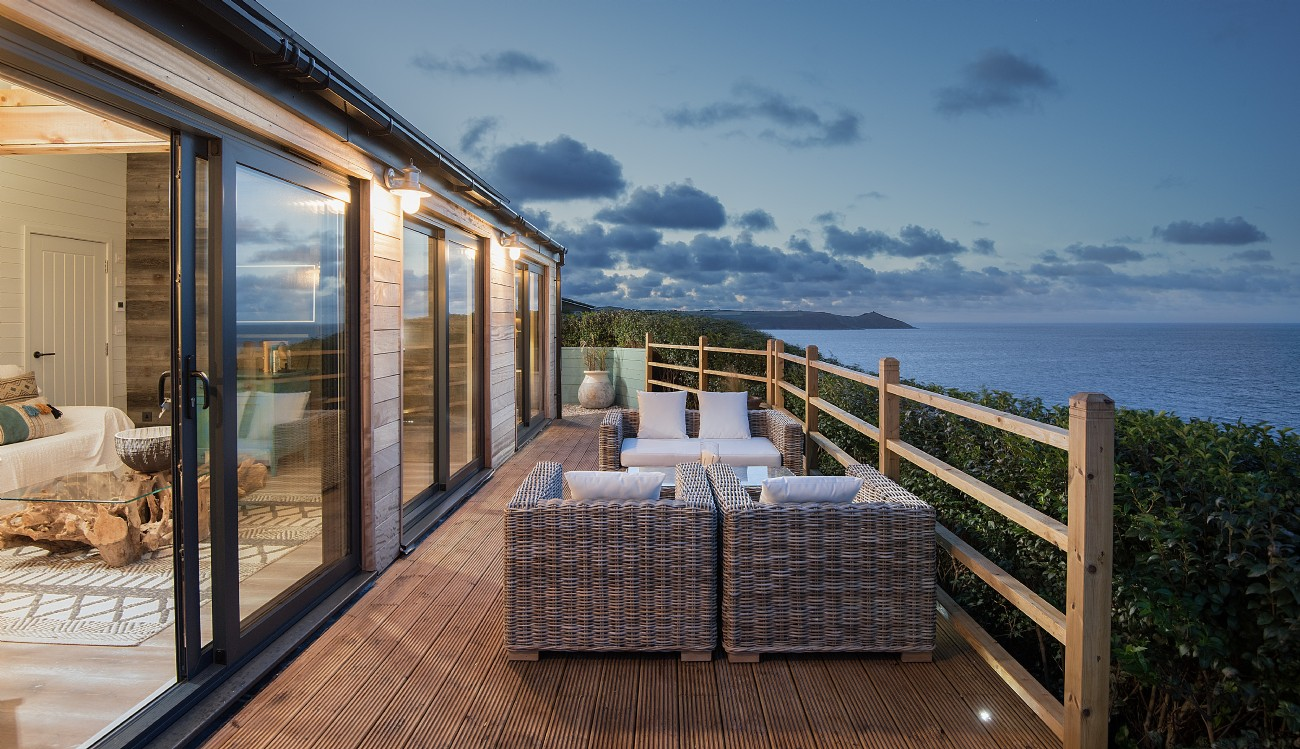 Luxury self-catering seaside home in Whitsand Bay, Cornwall