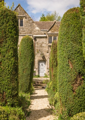 Self-catering Manor House in Wiltshire