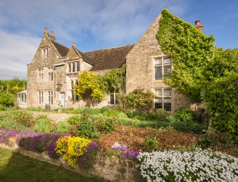 Large Manor House in Wiltshire