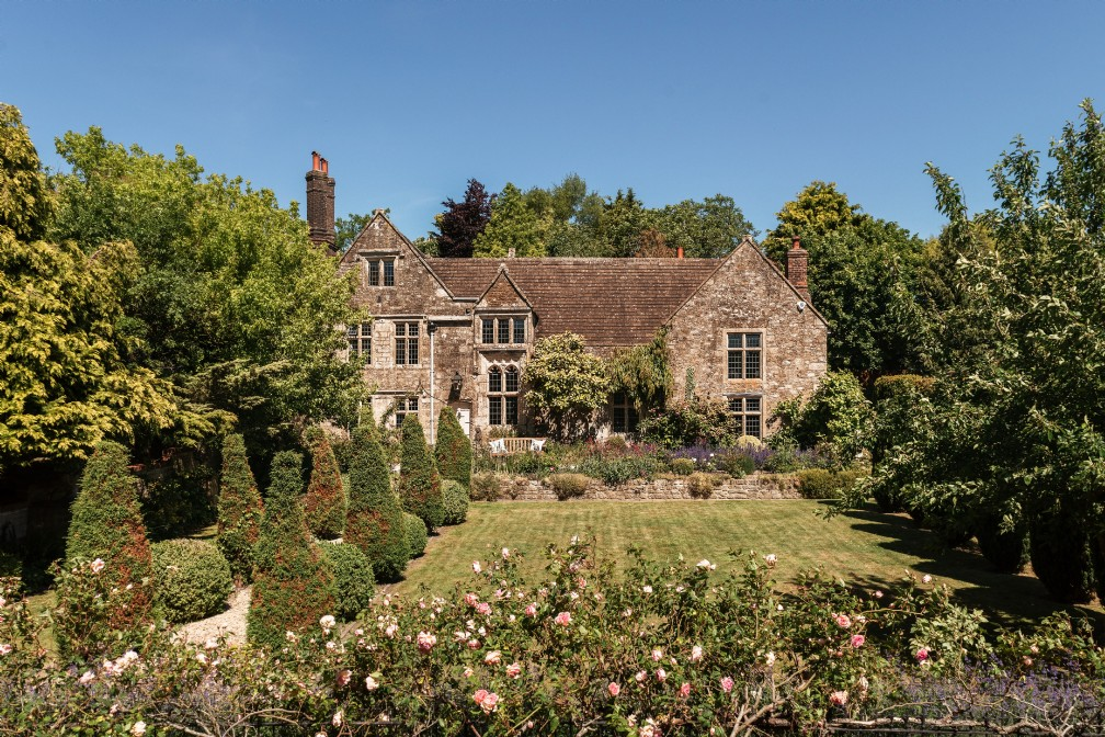 Avalon Manor | Luxury Self-Catering Manor | Scudamore, Wiltshire