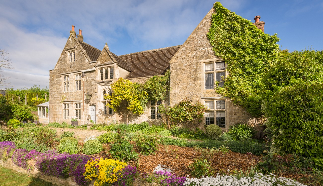 Wiltshire Luxury Self-catering Medieval Manor House, Scudamore