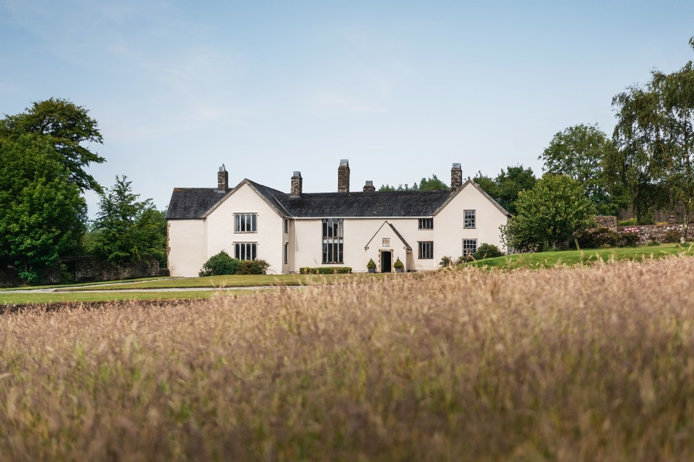 Luxury Self-Catering Manor House with Hot Tub | Chulmleigh | Devon