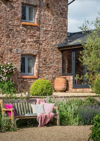 Large self-catering farmhouse in Somerset; Bohème