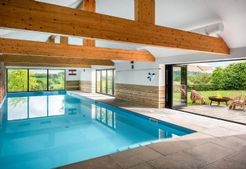 Luxury self-catering farmhouse with swimming pool in Stawley, Somerset