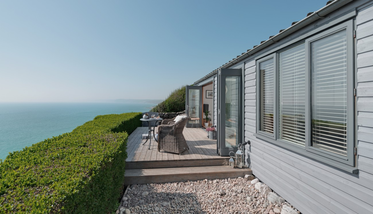 Whitsand Bay cliffhanger coastal self-catering beach hut, Cornwall