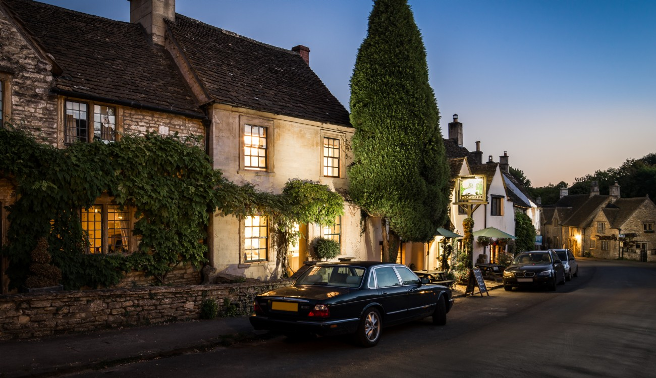 Castle combe self catering luxury cottage burdock fox for Luxury cottage homes