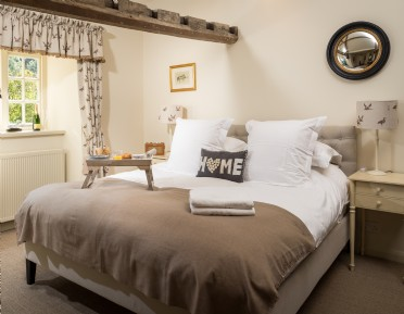 Exclusive dog-friendly self-catering house near Bath