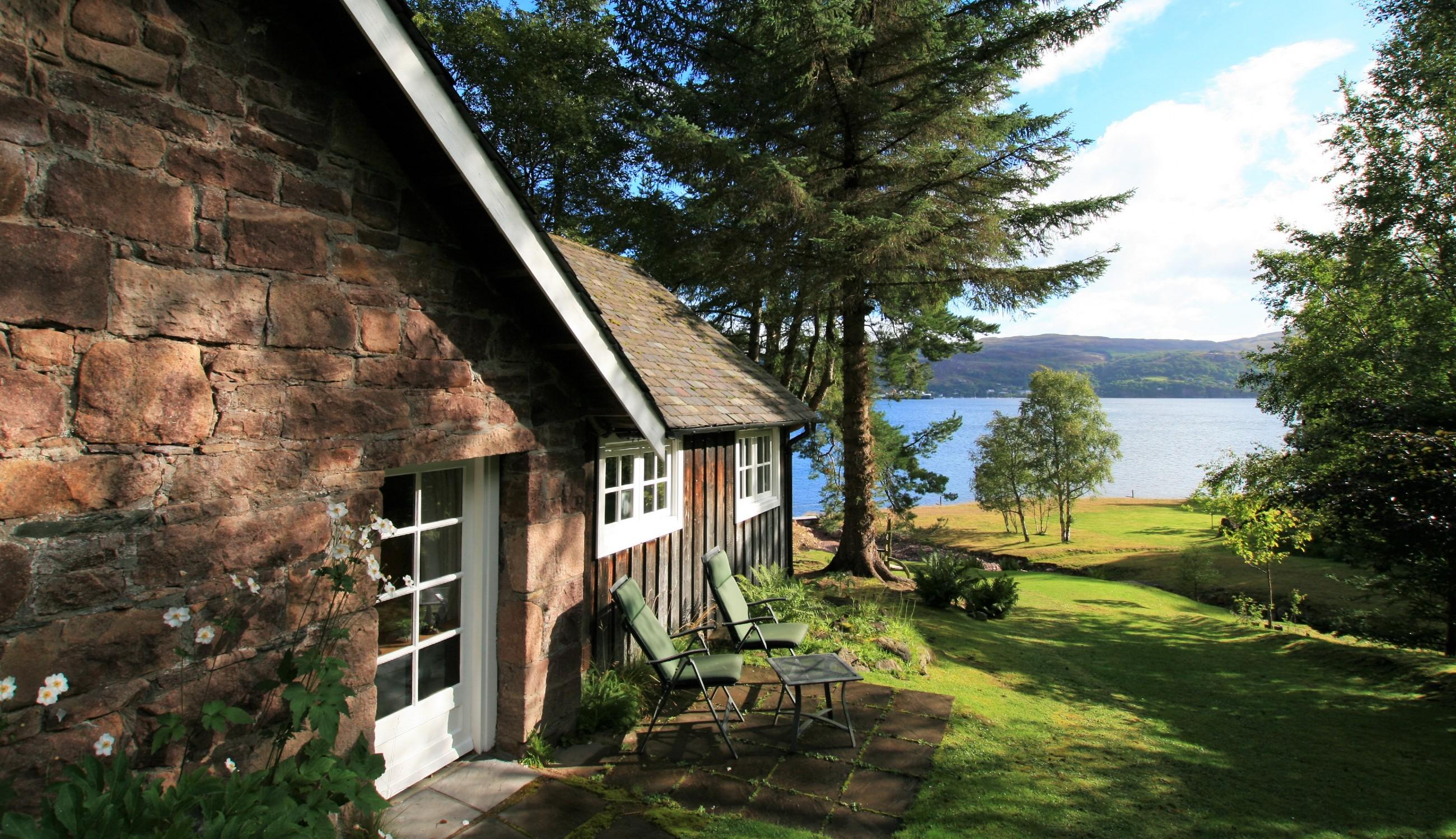 Strange Castaway Luxury Self Catering Cottage Ullapool Scottish Download Free Architecture Designs Estepponolmadebymaigaardcom