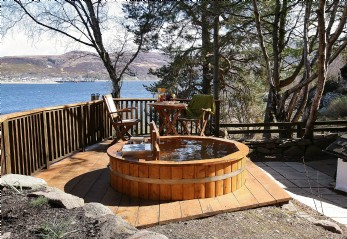 luxury self-catering Ullapool, Scotland