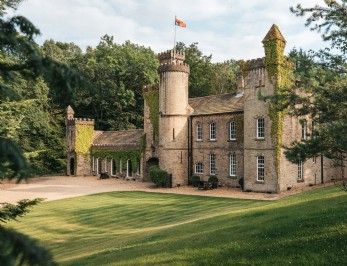 Luxury self-catering castle near The Peak District