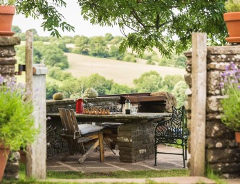 Remote modern-rustic homestay on the England-Wales border