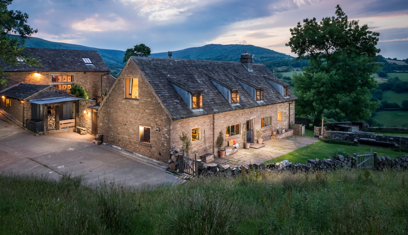 Charity Farmhouse | Self-catering Mountain Retreat | Brecon Beacons