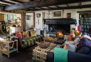 Charity´s cosy sitting room with log fire