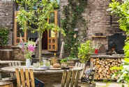 Al fresco dining in the heart of rural Herefordshire