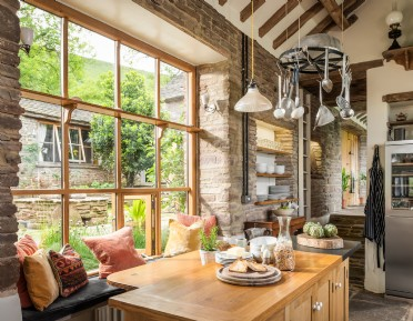 Modern-rustic home on the England-Wales border nr the Black Mountains