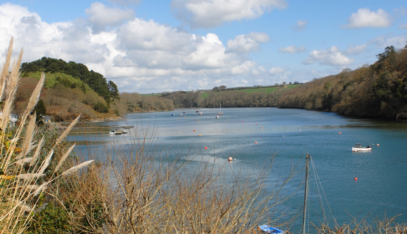 Malpas modern self-catering river house, Truro