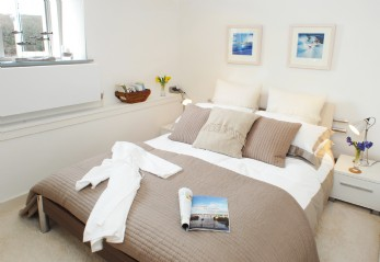Luxury Creekside self-catering Boat House in Malpas
