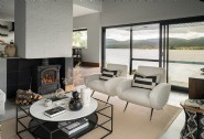 Elemental´s wide main window view is complemented by neutral tones in the lounge