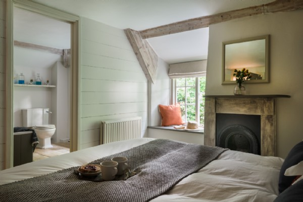 Ellesmera mill luxury self catering millhouse - Jack and jill room ...