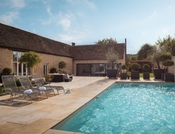 Contemporary self-catering house near Cheltenham
