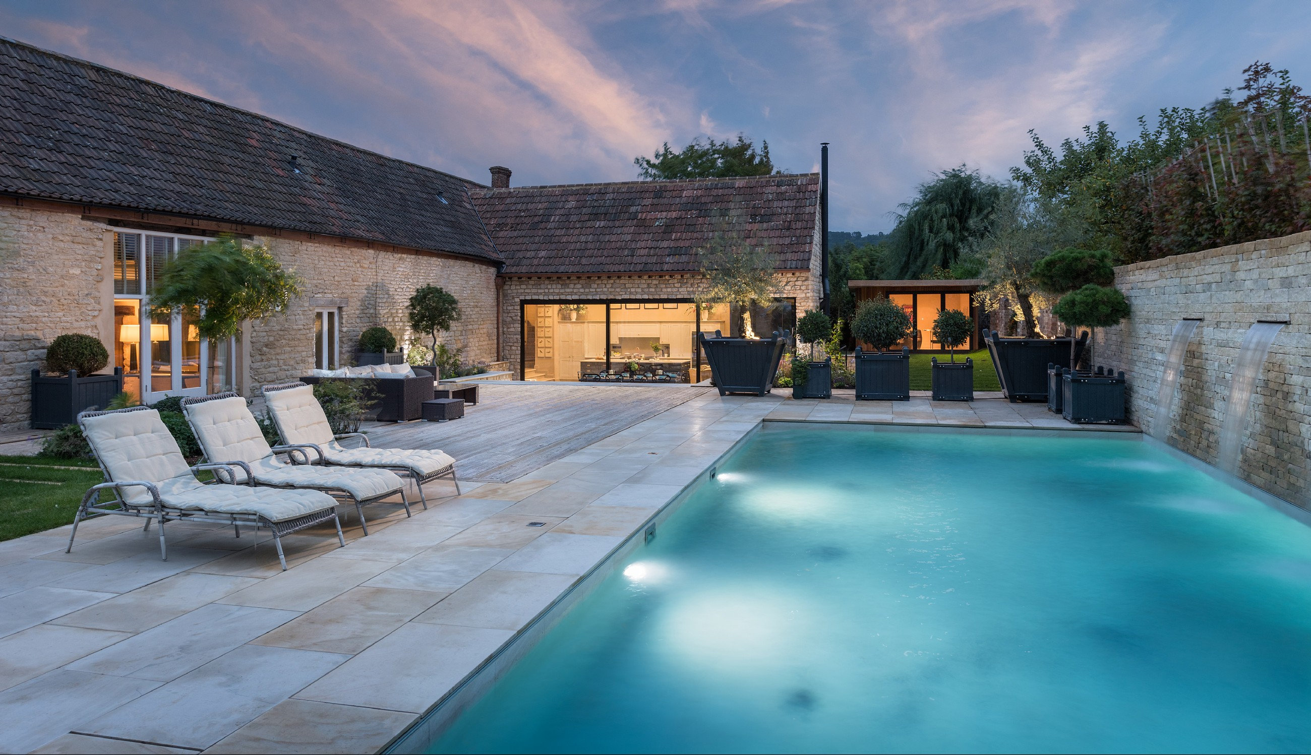 Luxury Self-Catering Cotswold Home with Heated Outdoor Swimming Pool ...