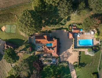 Luxury self-catering cottage in East Sussex/ Kent
