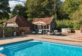 Large luxury family home for hire in Chiddingstone, Kent