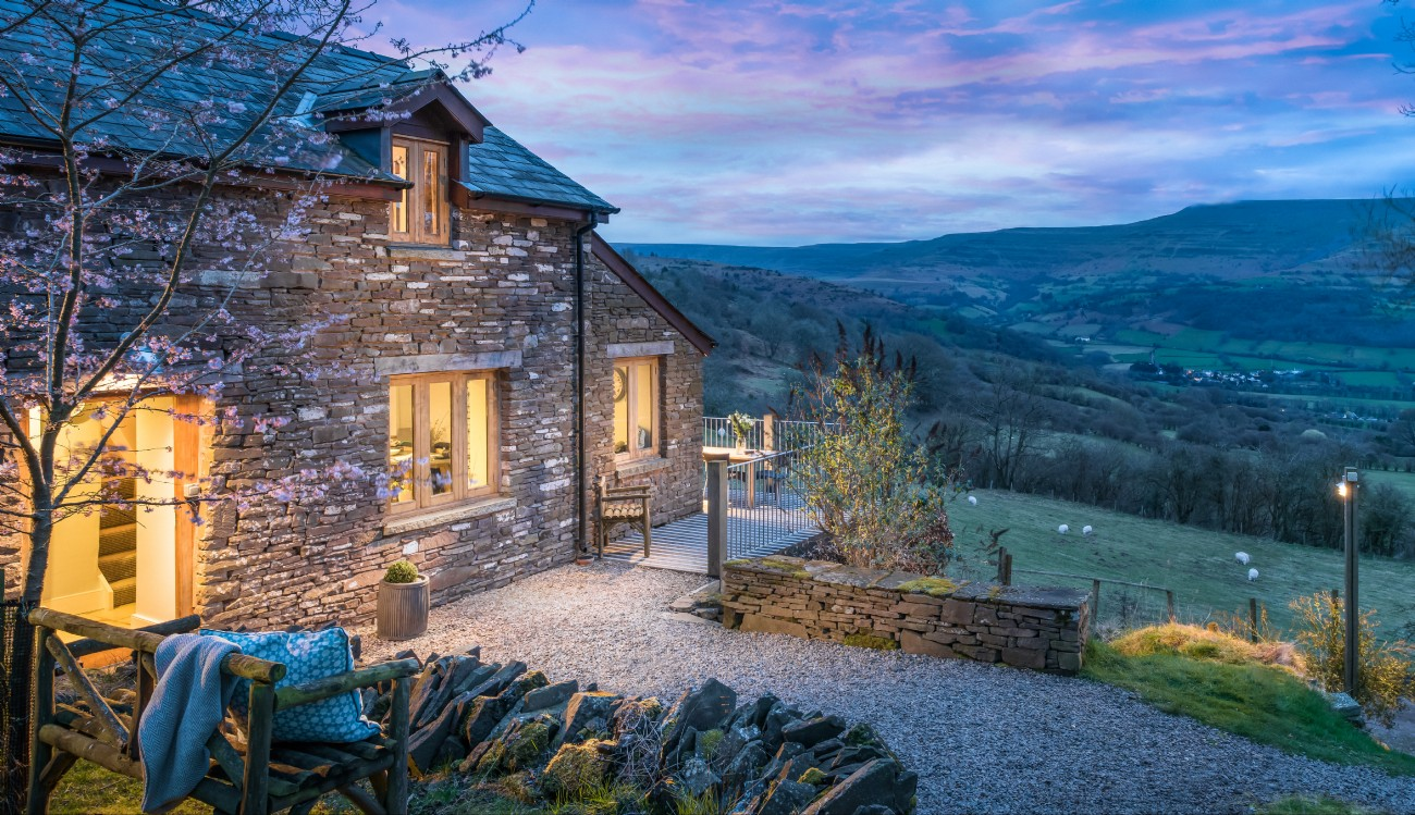 Brecon Beacons Remote Luxury Cottage, Crickhowell