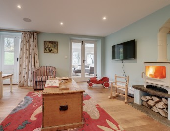 Luxury self-catering farmhouse with tennis court in Dorset