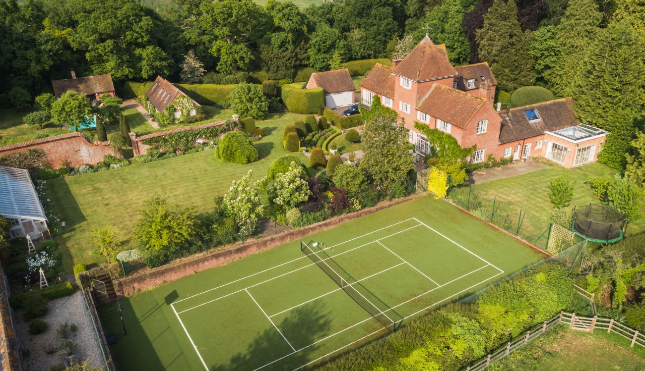 Large Luxury Self-Catering House Just Two Hours From London