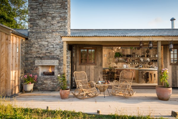 Luxury self catering couples retreat in mawgan porth cornwall for Maison pierre de taille