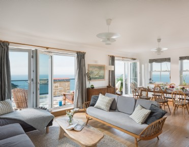 Coastal self-catering in Portreath, cornwall