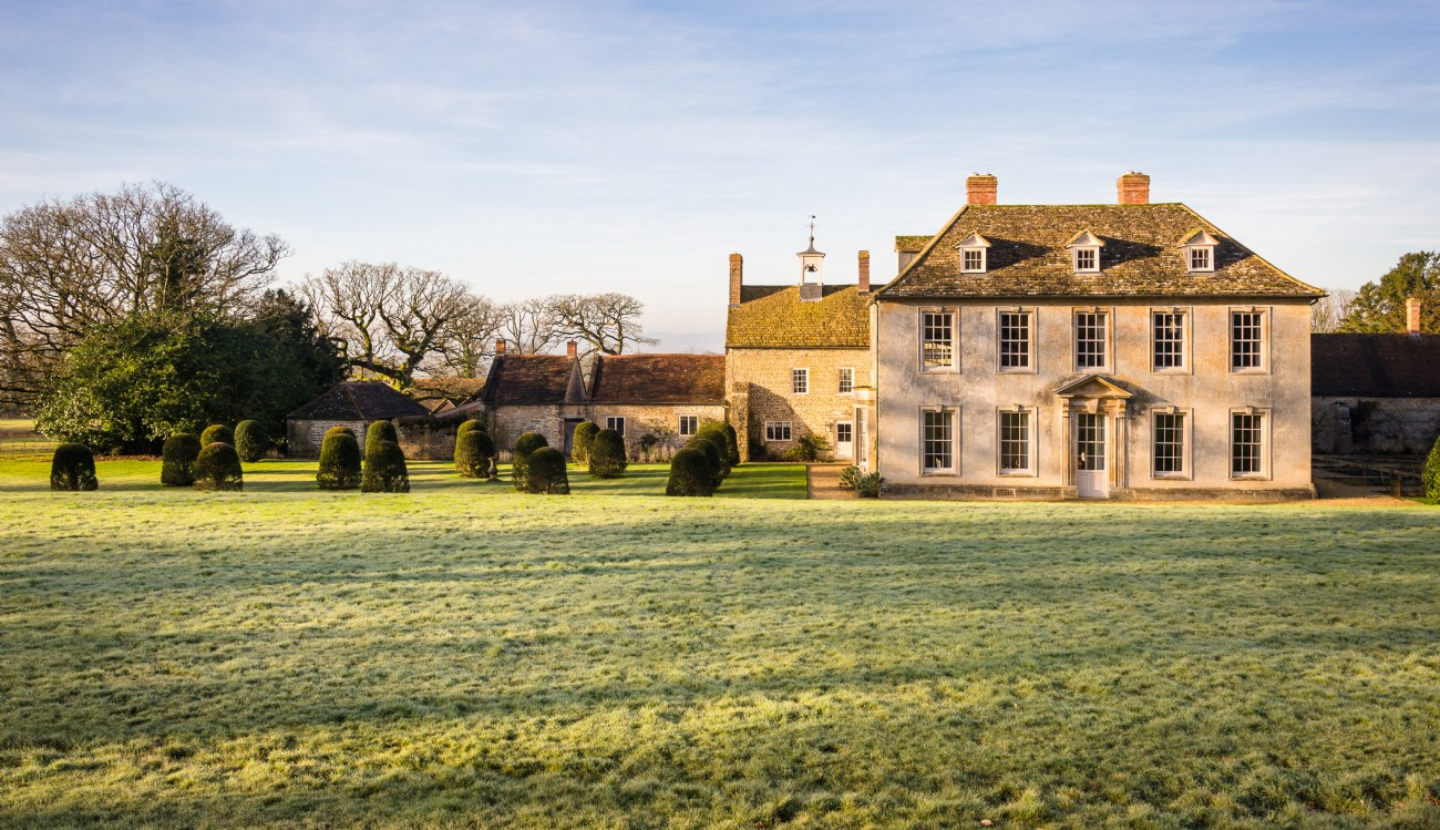 Somerset exclusive big country house with swimming pool for Big houses in the country