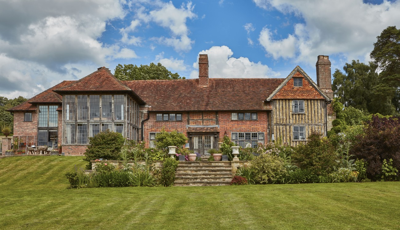 Guinevere | Luxury Self-Catering Manor | Shamley Green, Willinghurst