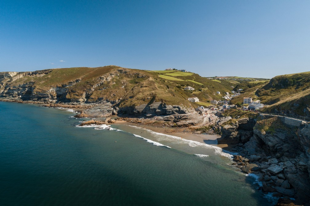 Gypsea Rocks | Luxury Coastal Cottage | Trebarwith Strand, Cornwall