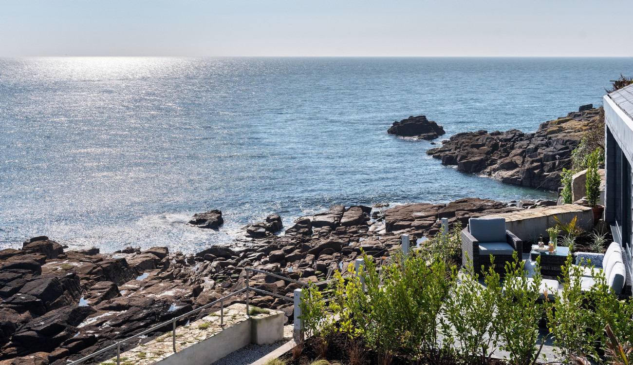 Modern Luxury Self-Catering Home on Mousehole Sea Front