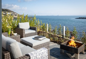 Luxury self-catering modern home in Mousehole