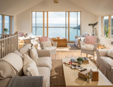 Luxury self-catering accommodation on The Roseland Peninsula