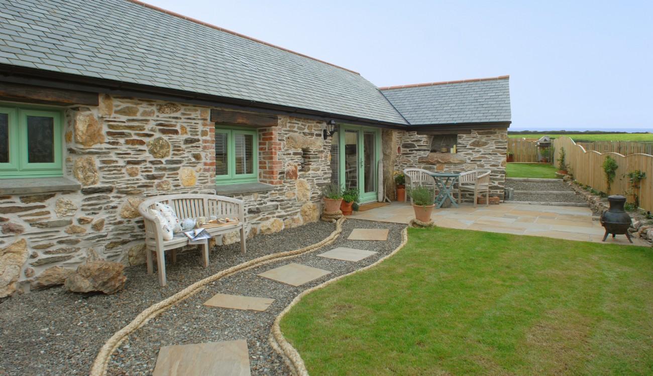 Porthcothan Bay luxury self-catering Barn, Sparrow Barn Cornwall