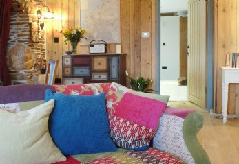 luxury self-catering cottage mawgan porth
