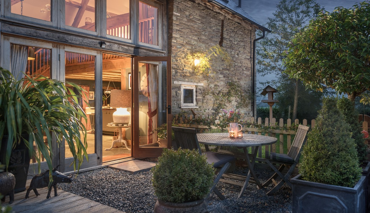 Luxury Herefordshire self-catering barn near Hay and the Brecon Beacons