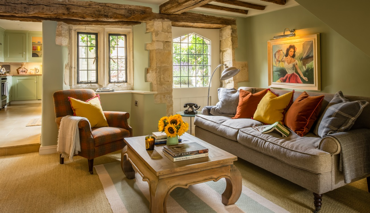 Burford luxury self-catering cottage in Cotswolds, Little Scarlet