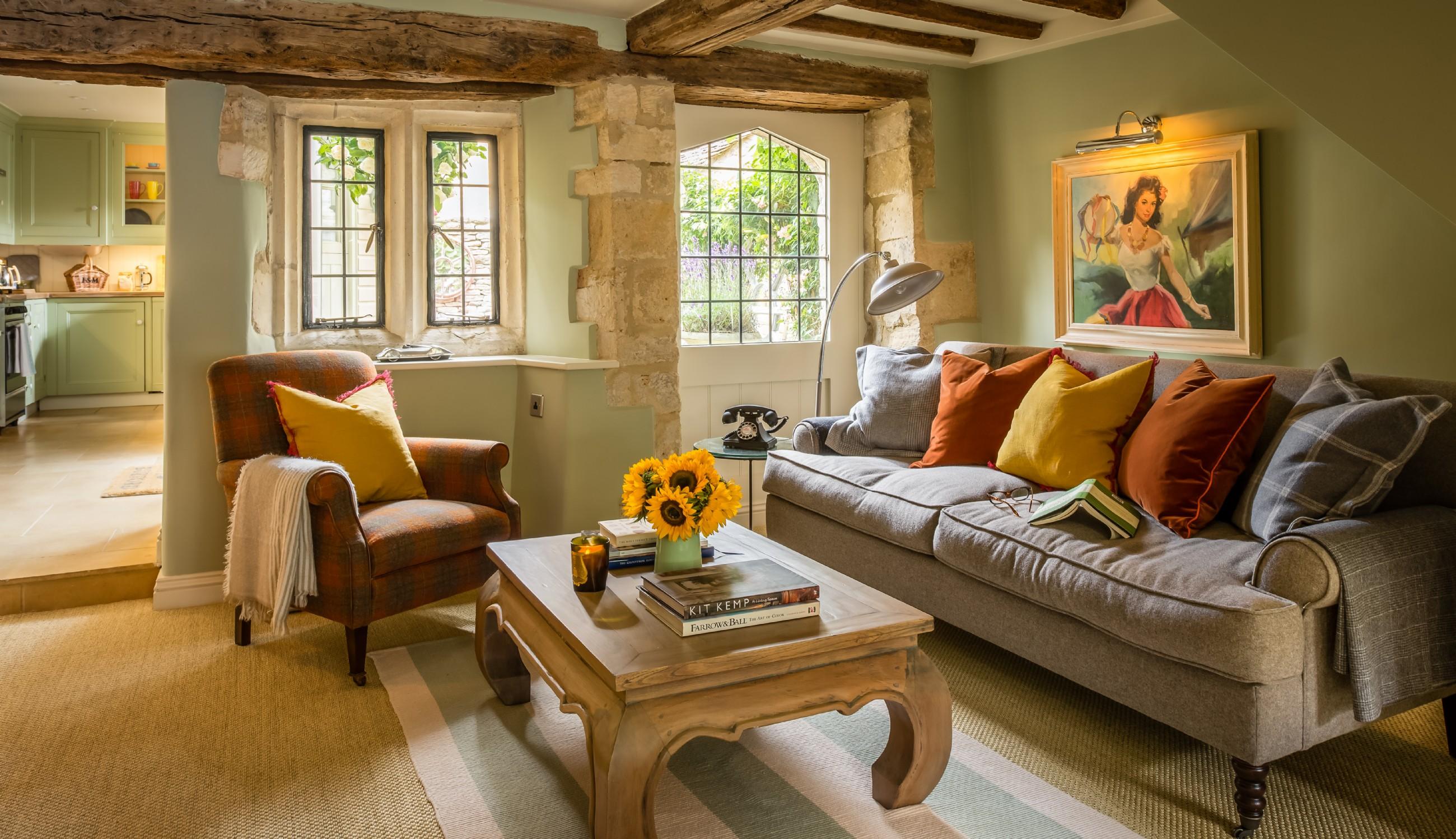 Tremendous Little Scarlet Luxury Self Catering Cottage Burford Interior Design Ideas Gentotryabchikinfo